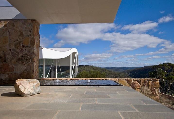 347605-master-bedroom-patio-the-seidler-house-south-coast-australia.jpg (716×488)