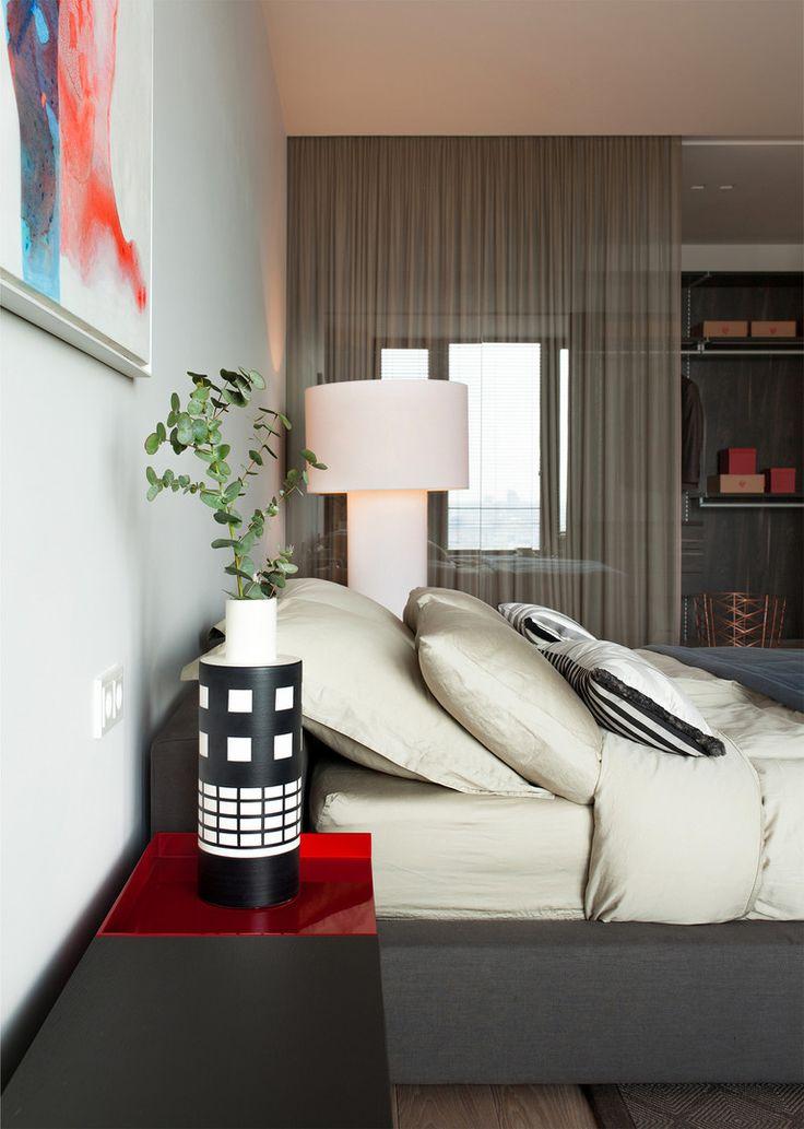 #frandgulo #interiordesign #home #fineinteriors #homedecor #спальня Универсальность белых стен и влияние освещения на восприятие интерьера