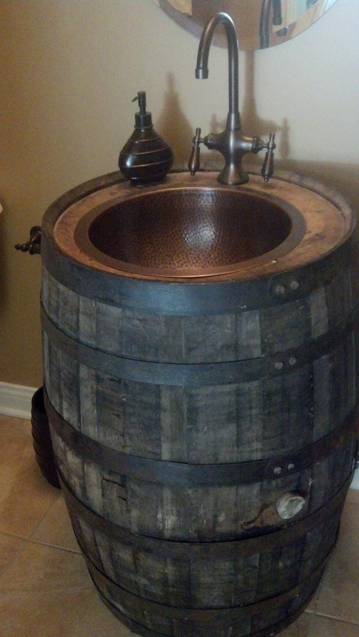 Ponad 25 najlepszych pomys w na temat barrel sink na for Whiskey barrel bathtub