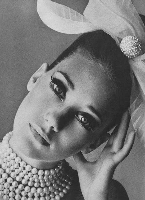marisa berenson; irving penn 1965