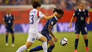 Elodie Thomis of France is challenged by Geummin Lee of Korea
