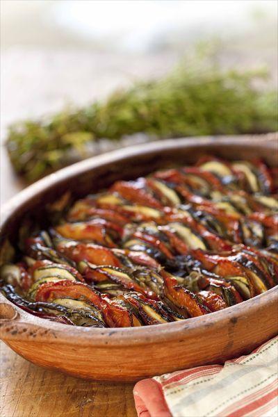 C'est une recette que j'adore, mais souvent, il est mal fait… En fait, il y a quelques petits secrets pour le réussir parfaitement, pour que les légumes soient fondants, presque c…