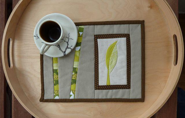 secret mug rug | blogged: materialsandmethod.blogspot.com/2… | Flickr - Photo Sharing!