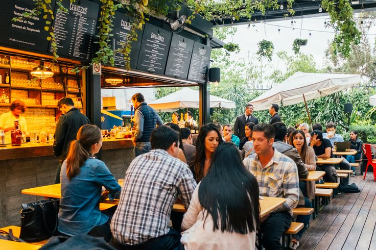 For all the Mexican food lovers, Mexico City offer the best of the best, from high end tacos to street tacos. Check out my quick guide to Mexico City Food.