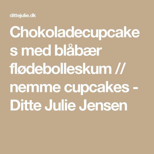 Chokoladecupcakes med blåbær flødebolleskum // nemme cupcakes - Ditte Julie Jensen