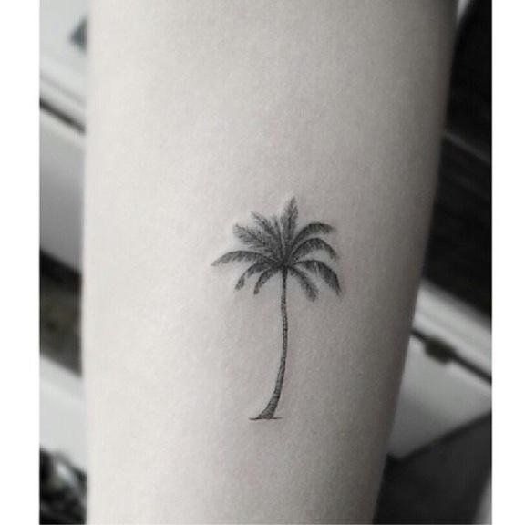 best 25 palm tree tattoos ideas on pinterest palm tattoos small tatto and cali tattoo. Black Bedroom Furniture Sets. Home Design Ideas