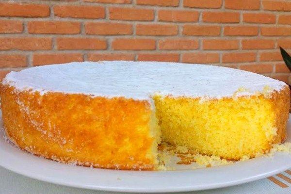 Ingredientes: 250 ml de suco concentrado de laranja 3 ovos inteiros 1/2 copo de óleo de girassol 160 g de açúcar 160 g + 2 colheres de so...