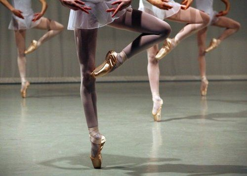 Les Petits Rats de l'Opéra // Paris Opera Ballet students ♥ Wonderful! www.thewonderfulworldofdance.com #dance
