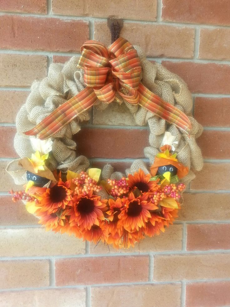 A little crow told me wreath