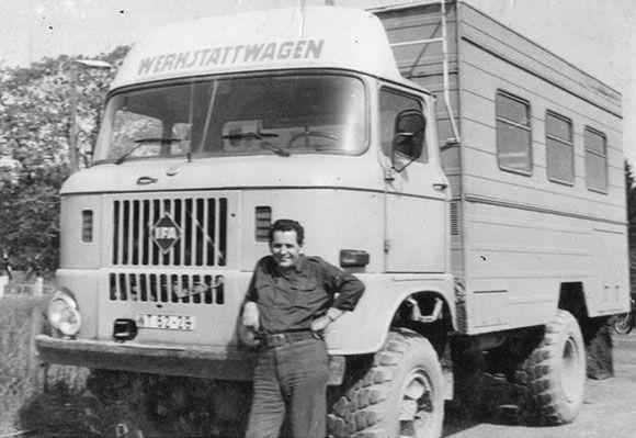 Werkstattwagen: Der W50 (Verdau, 50 dt) ist ein zwischen 1965 und 1990 in der DDR gebauter Vielzweck-Lastkraftwagen des Industrieverbands Fahrzeugbau (IFA). Insgesamt wurden 571.789 Fahrzeuge dieses Typs gebaut. Die Produktion erfolgte bei den Automobilwerken Ludwigsfelde.  Text: www.wikipedia.de Bild: Kay Rüdiger