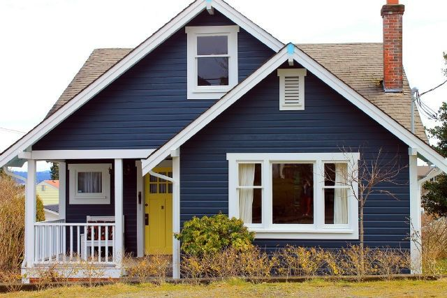 First impressions count how to improve your home 39 s curb - House with blue door ...
