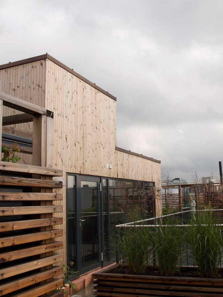 De siste årene har vi sett et økt fokus på utearealet i boligprosjektene. Balkonger og bakgårder blir vanligere. Nå håper jeg at takterrassene også kan få være med og leke, for i en by er de gull.