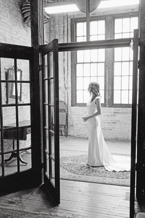 Long Island, New York City -  Nicole, a beautiful American bride. |  Ph: Millay & Young Photography | #americanbride #realbride #bridaldress | lesposedigio.com