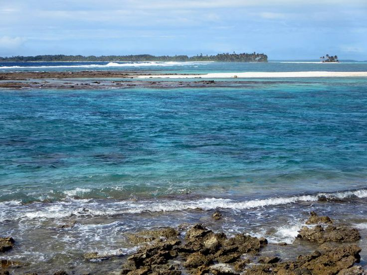 The Rip between Direction and Home islands, Cocos (Keeling) Islands, offers spectacular drift snorkeling on an incoming tide.