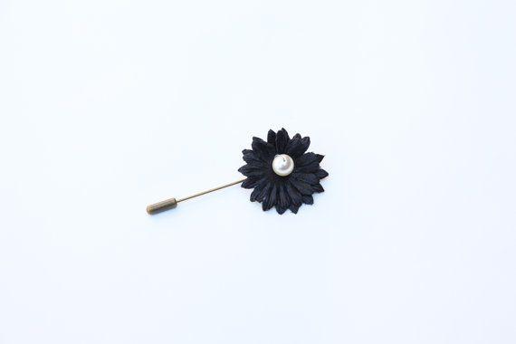 Daisy Lapel Pin by BEMillinery on Etsy