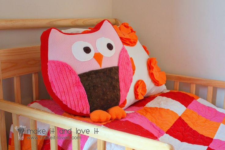 How To Make Cute Owl Pillows : Very cute owl pillow pattern school - owls and animals Pinterest Owl pillow pattern ...