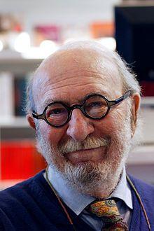 Jean-Pierre Marielle au Salon du livre de Paris en 2011.