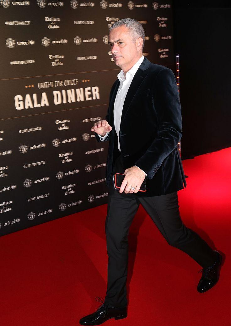 United's gala dinner raises £160K for Unicef