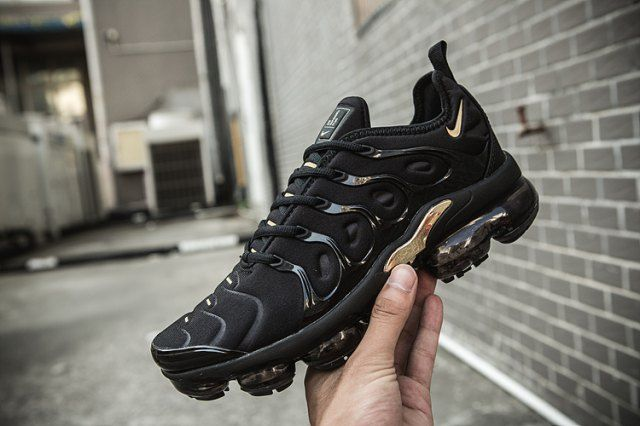 new style 9cb80 3e6ee Nike Air VaporMax Plus TN Black Gold Women's Men's Running ...