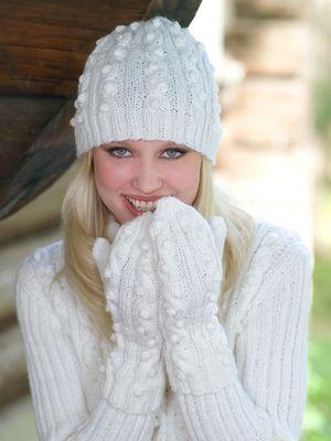Naisen neulotut pipo ja lapaset Novita 7 Veljestä | Novita knits