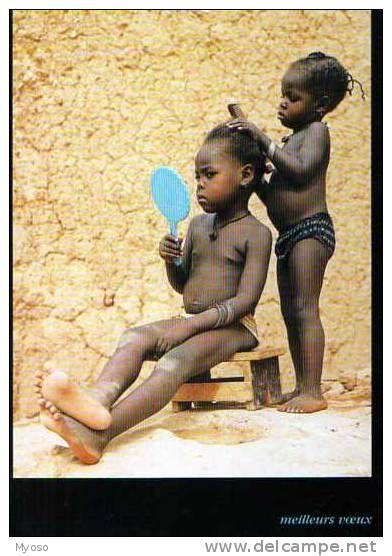 Image Du SAHEL, Petites Filles En Train De Jouer A La Coiffeuse, Miroir, Peigne, Claude Nogues Niamey Niger - Cartes Postales