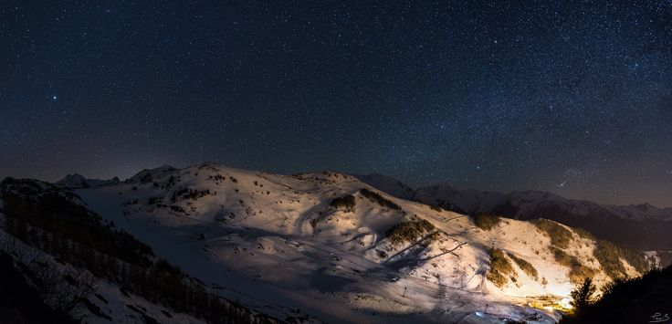 Clear sky on the skiing station - Night panorama of Guzet-Neige skiing station, Ariège, France
