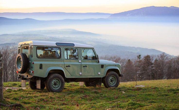 Land Rover Defender 110 Td4- Heritage Edition. Finish Land Rover Defender Factory.