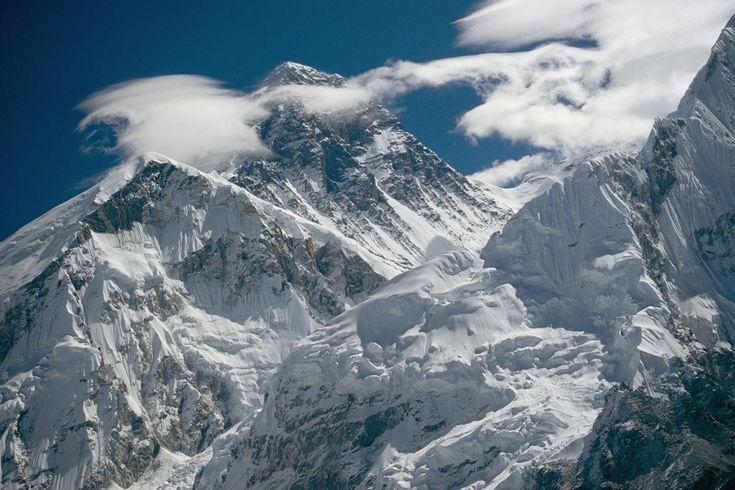 エベレスト商業登山、考え直すとき