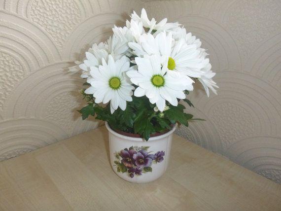 Tudor Plant Pot Vintage Home Decorative by getgiftideas on Etsy