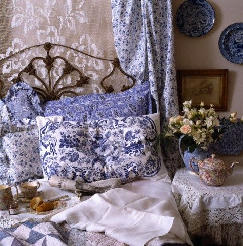 come with me to the sea of love Blue and White -lace edged table topper