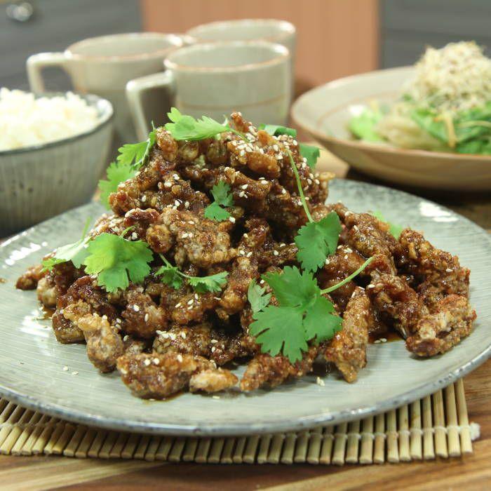Krispigt fläsk i hoisinsås med ris och sallad