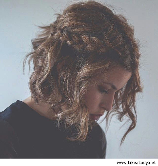 443041682064771974 Hairstyle for short hair