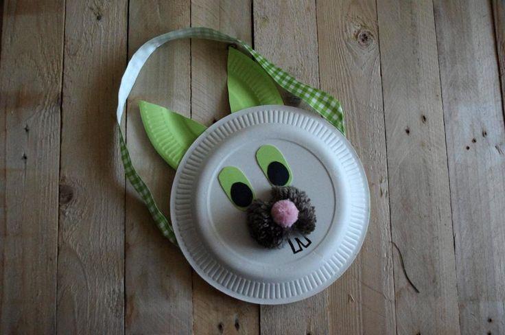 Zajíc z papírových talířů - Tento zaječí obličej jsme vytvořili slepením dvou papírových talířů. ( DIY, Hobby, Crafts, Homemade, Handmade, Creative, Ideas)