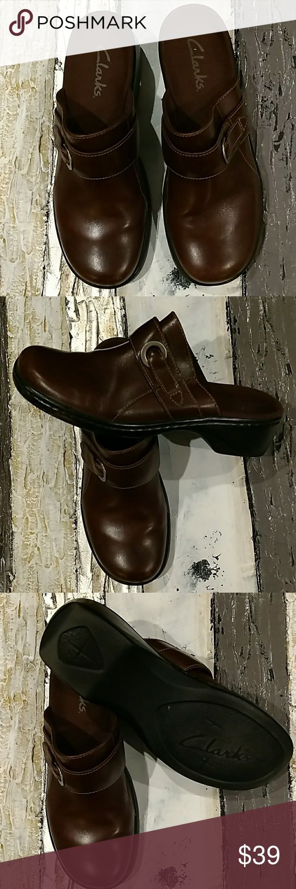 Clarks brown mules clogs shoes 8 M Like new and oh so comfy. These are great all year round. They were only worn once so they are like new. Clarks Shoes Mules & Clogs