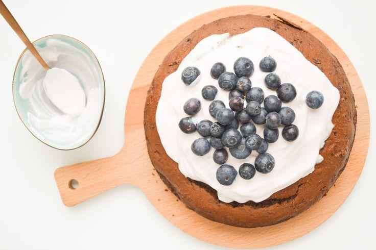 """""""Suikervrije"""" Chocoladetaart met Yoghurt topping en verse Bosbessen"""