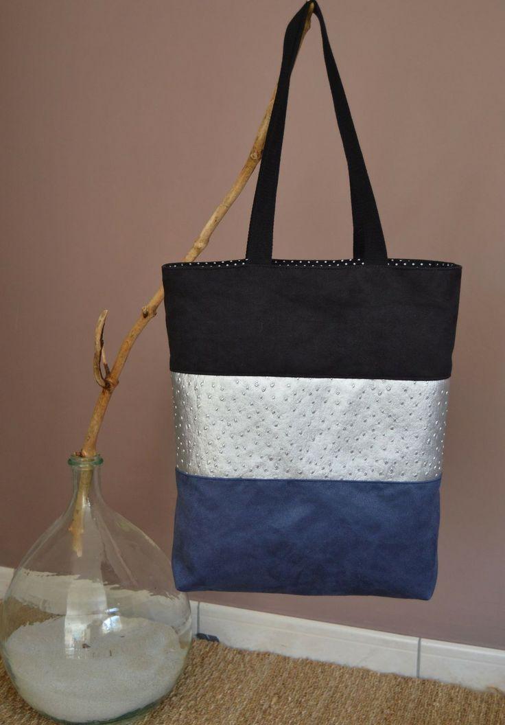 Sac à main/cabas en suédine bleue et noire et simili cuir argenté : Autres sacs par zinzoline29