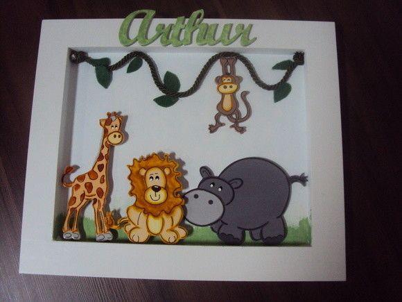 Quadro porta maternidade zoo ou bichos da selva com o nome do bebê.