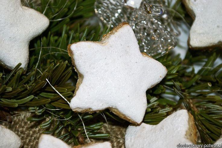 Gwiazdki cynamonowo-migdałowe