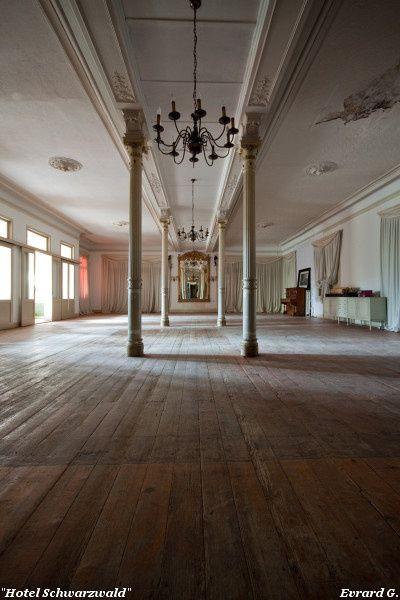 17 best images about abandoned resorts hotels motels on pinterest famagusta cyprus ghost. Black Bedroom Furniture Sets. Home Design Ideas