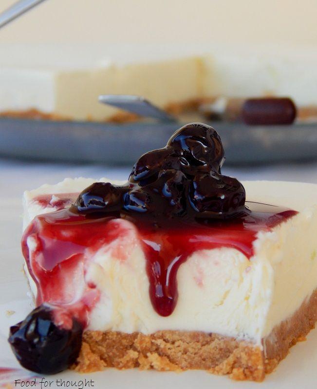 Τούρτα παγωτό τσιζ κέικ.  http://laxtaristessyntages.blogspot.gr/2015/08/tourta-pagoto-cheese-cake.html
