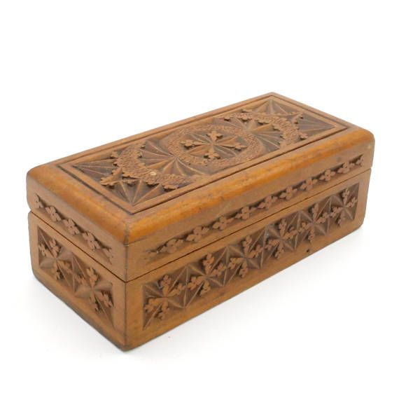 Antique Wooden Box, Small Trinket Box, Jewelry Box, 1900s Arts & Crafts Hand Carved Wooden Box, Dutch Chip Wood Carving, Frisian Kerfsnede at #VintageArtAndCraft