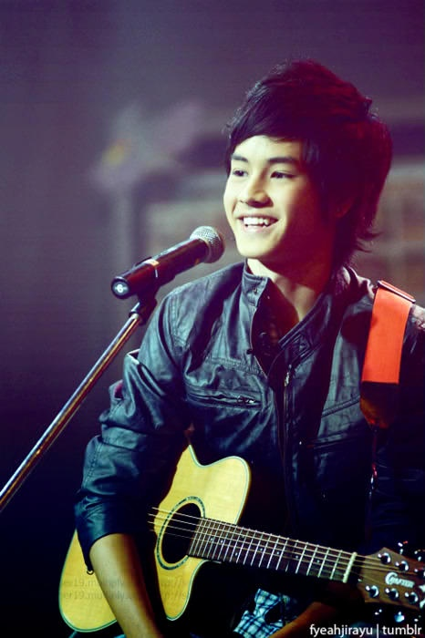 Jirayu.  He keeps on serenading me. <3