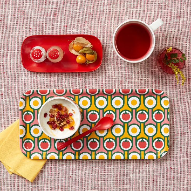 Hokolo Birch Tray - Eggs and Tomatoes