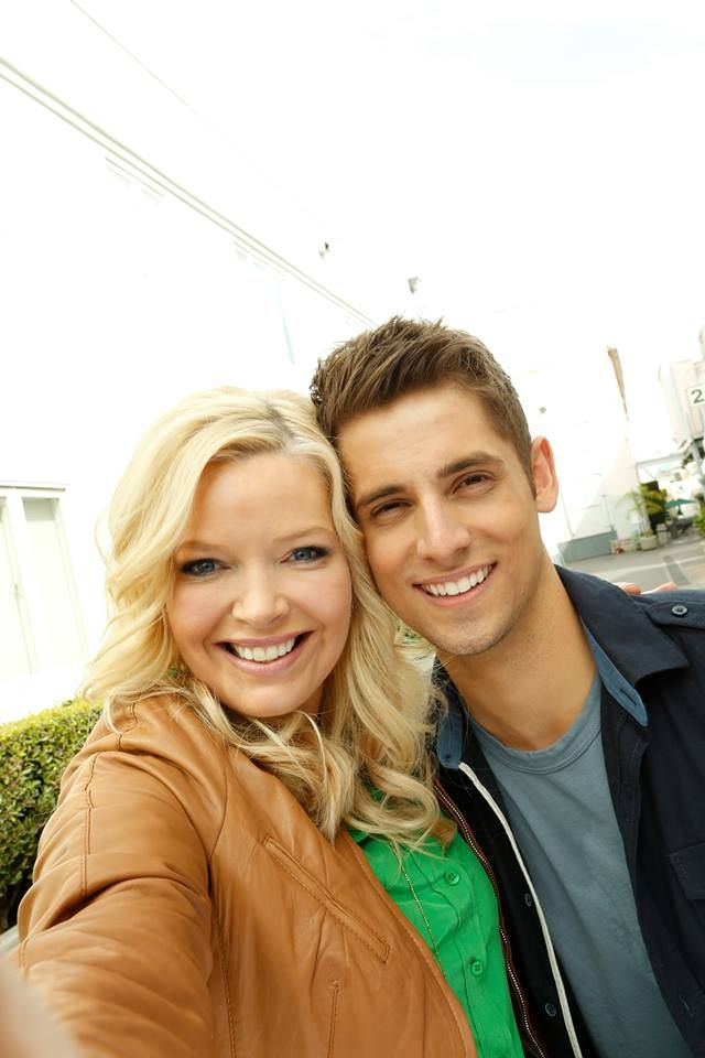 Such a nive pic - Melissa Peterman & Jean-Luc Bilodeau #babydaddy