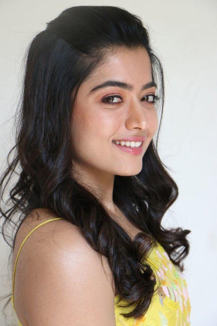 Pin By Actress On Rashmika Mandana In 2020 Beautiful Indian Actress Indian Actresses South Indian Actress