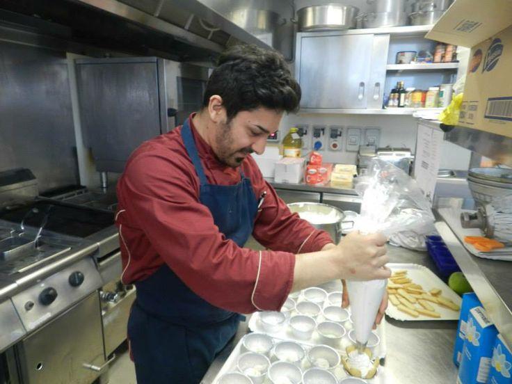 La preparazione dei dolci del nostro chef