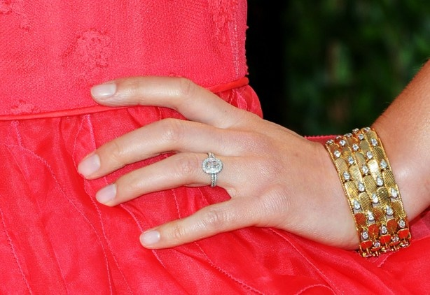 Clare Danes wears a gold and diamond cuff by Van Cleef and Arpels at the 2012 Oscars. (Getty)