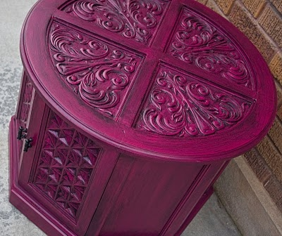 Glazed raspberry nightstand. I'd love to find something like this to re-finish (though I admit I'm not bold enough to make it raspberry!).
