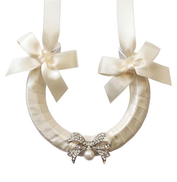 Lucky Wedding Gifts: Best 25+ Bridal Horseshoe Ideas Only On Pinterest
