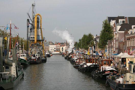 Furiade, jaarlijks terugkerend festijn met schepen in de haven en vlieten in Maassluis.